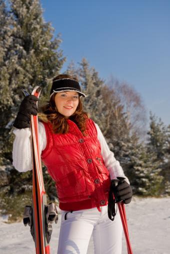 https://cf.ltkcdn.net/ski/images/slide/1045-566x848-red-and-white.jpg