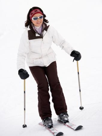 https://cf.ltkcdn.net/ski/images/slide/1048-600x800-happy-skiier.jpg