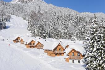 https://cf.ltkcdn.net/ski/images/slide/1081-847x567-Ski-Chalet.jpg