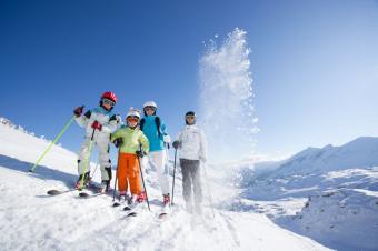 https://cf.ltkcdn.net/ski/images/slide/129760-849x565r1-FAMILY-SKI.jpg