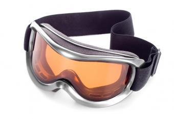 https://cf.ltkcdn.net/ski/images/slide/140461-836x574r1-Ski-Goggles.jpg