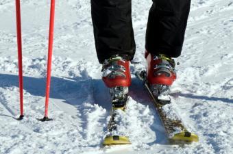 https://cf.ltkcdn.net/ski/images/slide/143531-850x563r1-Boots-and-poles.jpg