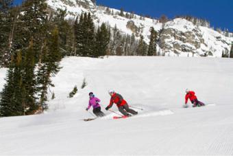 Family skiing at Jackson Hole Mountain Resort