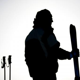 https://cf.ltkcdn.net/ski/images/slide/234826-850x850-4-skier-silhouette.jpg