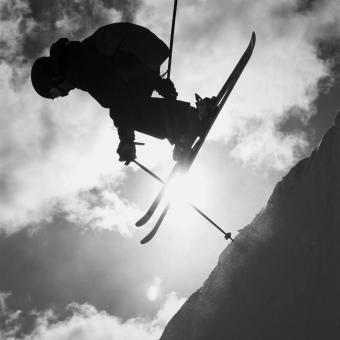 https://cf.ltkcdn.net/ski/images/slide/234828-850x850-6-skier-silhouette.jpg
