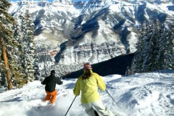 Colorado Season Ski Passes