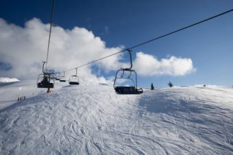 Dangling Skier