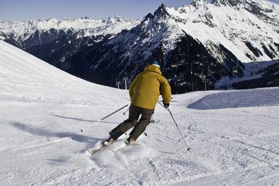apache skis
