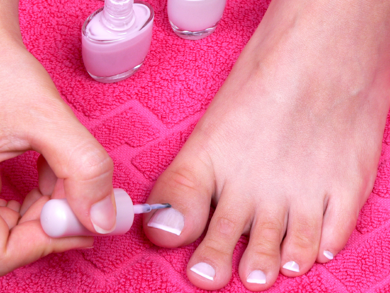 French-pedicure.jpg