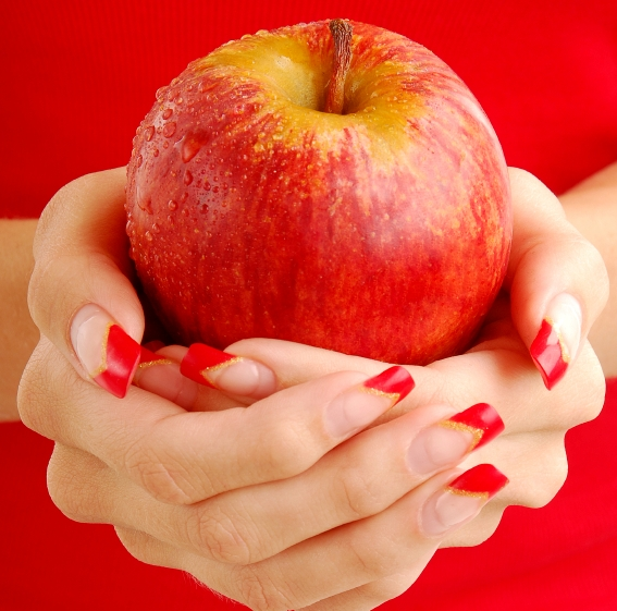 fall_nails_apples.jpg