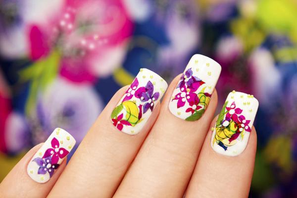 Beachy Nail Designs | LoveToKnow
