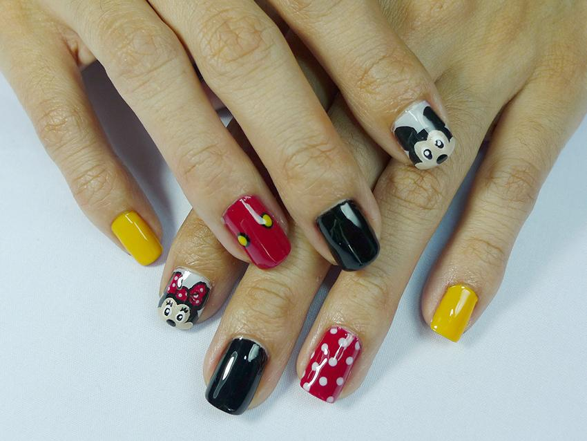 Minnie and mickey mouse inspired nail art lovetoknow mickey and minnie mouse nail art prinsesfo Image collections