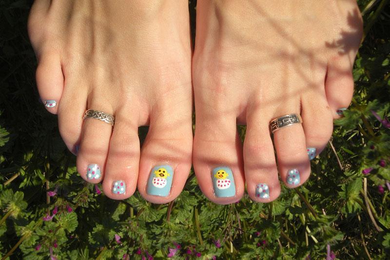 https://cf.ltkcdn.net/skincare/images/slide/184313-800x533-peeps-nail-art-on-toenails.jpg