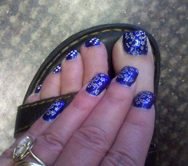 4th of july nail designs lovetoknow blue stars nail art solutioingenieria Images