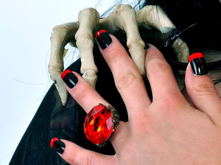 Halloween nails lovetoknow vampire nails prinsesfo Gallery