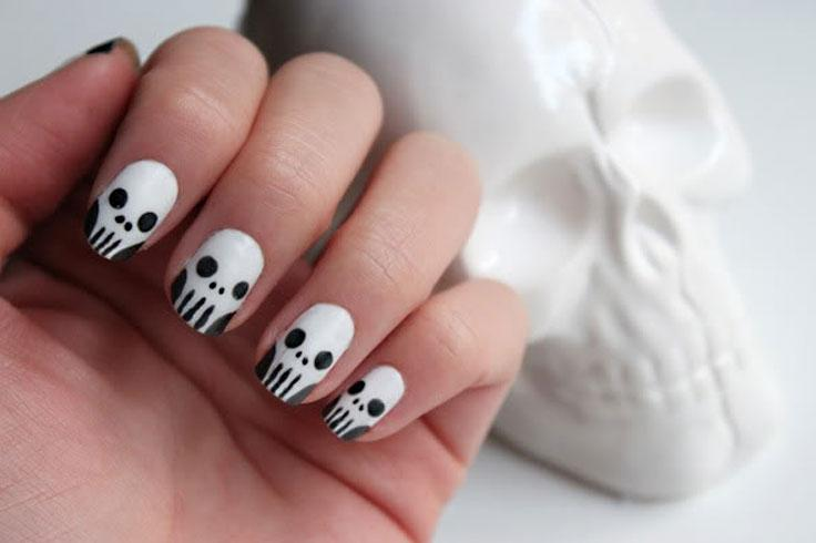 Halloween nails lovetoknow skull nail art prinsesfo Image collections