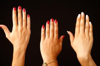 https://cf.ltkcdn.net/skincare/images/slide/127497-425x282-Spring-nail-fashions.jpg