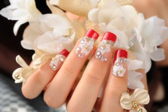 https://cf.ltkcdn.net/skincare/images/slide/129391-425x282-Curved-florals.jpg