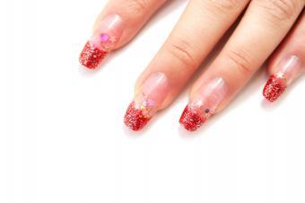 https://cf.ltkcdn.net/skincare/images/slide/145338-849x565r1-french-glitter.jpg