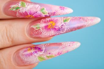 https://cf.ltkcdn.net/skincare/images/slide/145582-849x565r1-long-nail-flowers.jpg