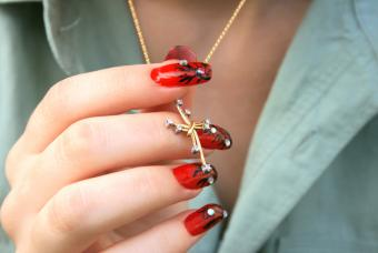 Sparkling nail gems