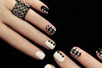 Rhinestones on Fingernails