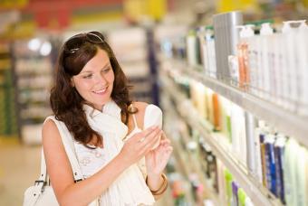 https://cf.ltkcdn.net/skincare/images/slide/175453-700x470-Woman-holding-a-bottle-IS-new.jpg