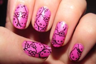 https://cf.ltkcdn.net/skincare/images/slide/177983-850x565-Hello-Kitty-Outlines-Nail-Art.jpg