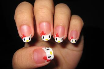https://cf.ltkcdn.net/skincare/images/slide/177984-850x565-katikuykuy-hello-kitty-nail-art.jpg