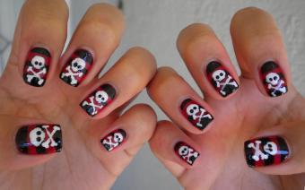 https://cf.ltkcdn.net/skincare/images/slide/178045-850x531-Ruthe-Huang-Pirate-Nails-Both-Hands.jpg