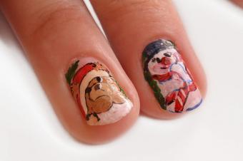 https://cf.ltkcdn.net/skincare/images/slide/182957-800x531-christmas-characters-nail-art.jpg