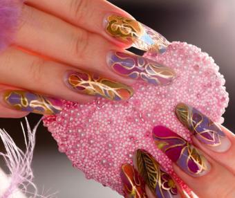 https://cf.ltkcdn.net/skincare/images/slide/184164-850x714-mosaic-nails.jpg