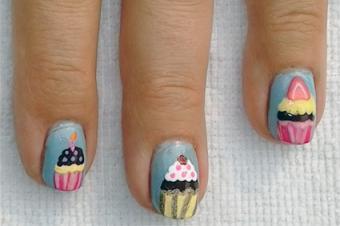 How to Do Cupcake Nail Art