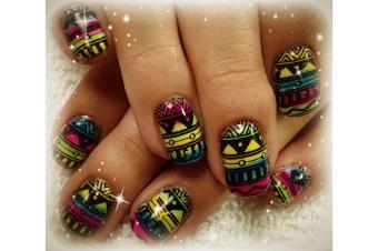 https://cf.ltkcdn.net/skincare/images/slide/189140-850x565-Kerrie-Johnson-Tribal-Nail-Design.jpg