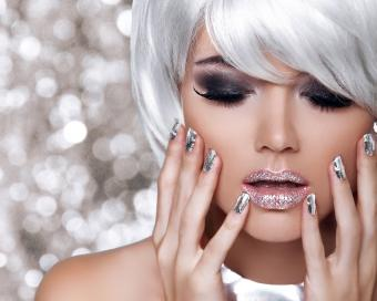 chrome manicure