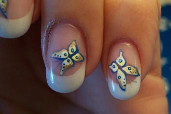 https://cf.ltkcdn.net/skincare/images/slide/214094-704x469-Butterfly-Nail-Art.jpg