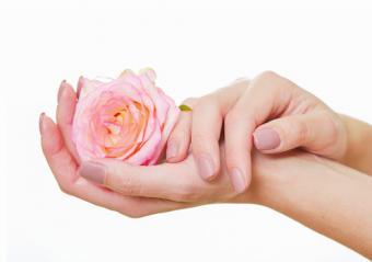 nails on lighter skin tone hands