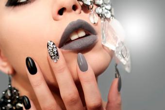 glitzy fingernails