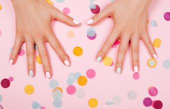 How to Clean Stained Gel Nails