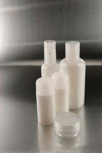 Travel-size set of bath gel and lotion