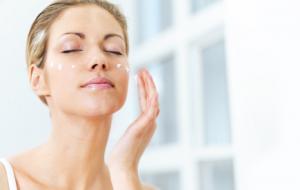 moisturizer application