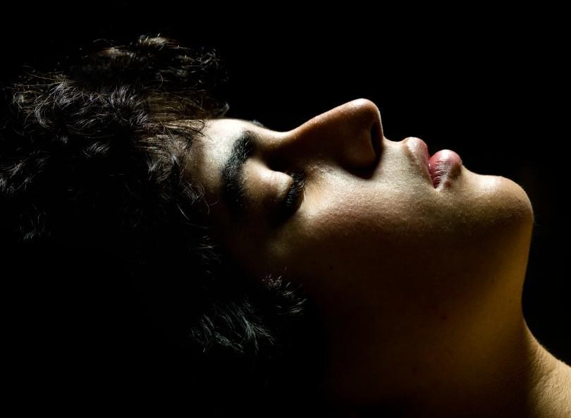 https://cf.ltkcdn.net/sleep/images/slide/124542-810x593-Sleep-paralysis.jpg