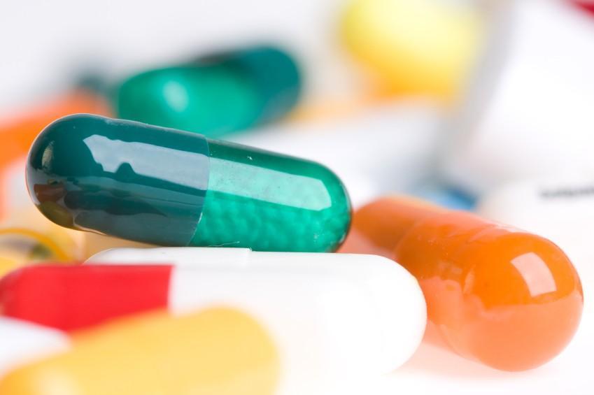 https://cf.ltkcdn.net/sleep/images/slide/124547-849x565-medication.jpg