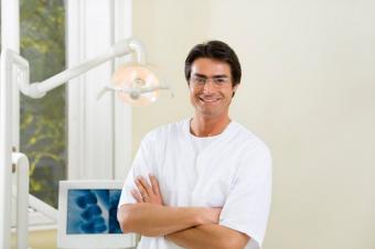 https://cf.ltkcdn.net/sleep/images/slide/124526-849x565-Sleep-dentist.jpg