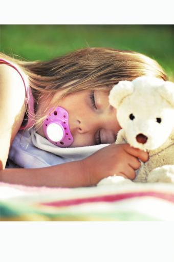 https://cf.ltkcdn.net/sleep/images/slide/174895-565x850-sleep-like-a-baby.jpg