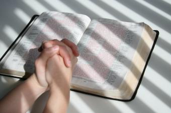 https://cf.ltkcdn.net/socialnetworking/images/slide/39996-849x565-bible7.jpg
