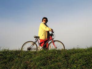 https://cf.ltkcdn.net/stress/images/slide/123503-300x225-bicycling.jpg