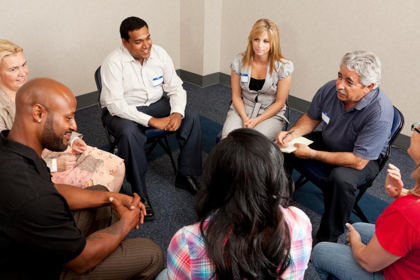 https://cf.ltkcdn.net/stress/images/slide/129315-849x565r1-Group-therapy.jpg