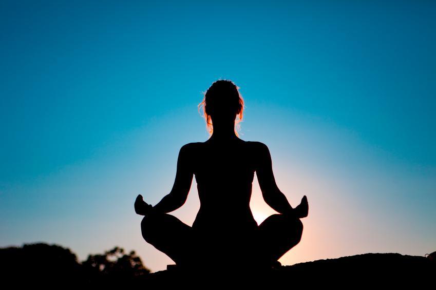 https://cf.ltkcdn.net/stress/images/slide/131223-849x565r1-MeditationCushionSlide1.jpg