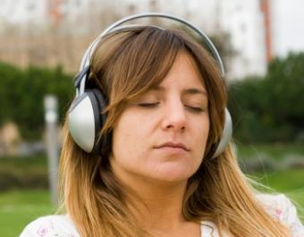 How Students Can Relax by Music
